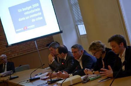 La Ville de Toulouse a mis en place depuis le 5 janvier 2010 un service gratuit de conseil économique personnel à destination des personnes en difficultés financières