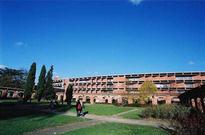 Frais scolaire l unef d nonce un abus de l iae de - Residence les jardins de l universite toulouse ...