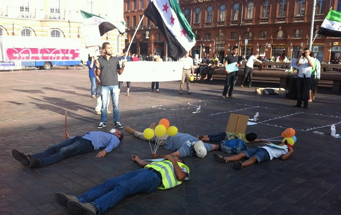 Manifestation de l'Union des Étudiants Syriens Libres de Toulouse contre le régime en place.