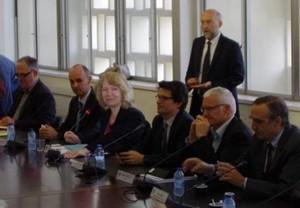 Sur la photo de gauche à droite : Olivier Simonin, Président de l'Institut National Polytechnique de Toulouse ; Olivier Fourure, Directeur Général de l'Institut Supérieur de l'Aéronautique et de l'Espace ; Marie-France Barthet, Présidente de la Communauté d'Universités et d'Établissements Toulouse Midi-Pyrénées